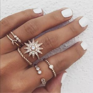 Jewelry - ✨Gorgeous 6 Pc Gold Boho Stackable Rings✨